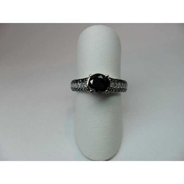 White Gold Pavé Solitaire Ring with Black Diamonds