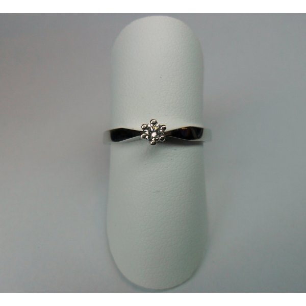 6 pronks solitaire ring