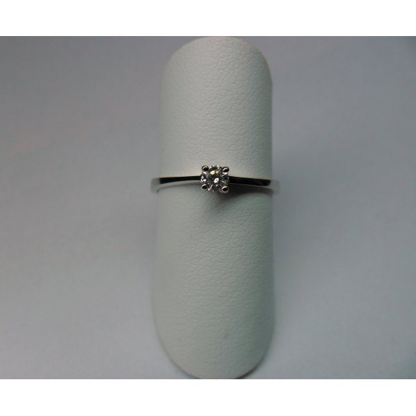 4 pronks solitaire ring